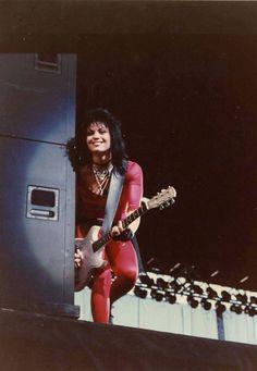 The Queen of Rock and Roll herself Joan Jett, Punk Rock Grunge, Cherie Currie, Women Of Rock, Women In Music, Janis Joplin, Rock Posters, Rock Legends, Stevie Nicks
