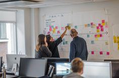 Skal du lykkes med digital transformasjon må organisasjonen rigges for å levere gjennom hele kundereisen. En av hoveddriverne for den digitaliseringen vi ser i dag er den hurtige endringen i kundenes kjøpsadferd og forventningene til leverandørene. Det åpner opp for disruptive nye digitale tjenester og produkter. For enhver virksomhet blir det derfor helt sentralt å …