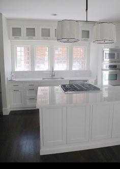 Cambria Torquay & Shaker style cabinets in Benjamin Moore's White Dove