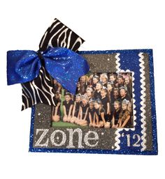 Custom Picture Frame. Cheerleader Frame. www.cheerframe.com Homemade Picture Frames, Volleyball Crafts, Spirit Gifts, Cheerleading Gifts, Cheer Party, Cheer Stuff, Cheer Pictures, Frame Crafts, School Spirit