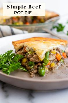 Simple delicious and packed with veggies beef and creamy potato soup. A buttery flaky crust to pull this beef pot pie together. This cozy comfort food for dinner is so easy to make and is sure to the spot every time! Casserole Recipes, Meat Recipes, Dinner Recipes, Fall Recipes, Buttery Flaky Crust, Beef Pot Pies, Cream Of Potato Soup, Ground Beef Recipes, Comfortfood