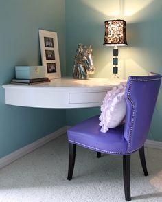 corner built-in desk for small rooms