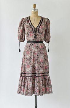 English Bohemia Dress / vintage 1970s floral bohemian tassel dress
