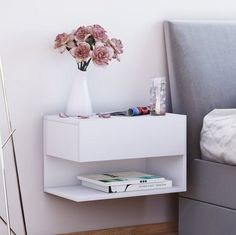 "VCM wall - bedside table ""Dormal"" - Ikea DIY - The best IKEA hacks all in one place Wall Mounted Bedside Table, Shelf Decor Bedroom, Zipcode Design, Diy Furniture Plans, Wall Bedside Table, Home Decor, Diy Furniture On A Budget, Bedroom Decor, Bedside Table"