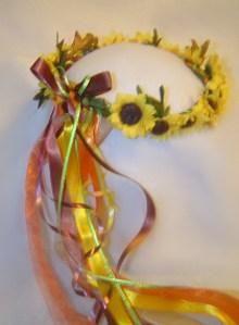 Little Sunflowers Silk Flower Head Wreath / Renaissance / Wedding / Costume Sunflower Head, Flower Head Wreaths, Medieval Party, Halloween Goodies, Halloween Ideas, Renaissance Wedding, Tea Party Wedding, Wedding Designs, Wedding Ideas