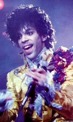 Prince looking so young here●