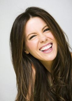 Kate Beckinsale showing off her gorgeous smile =) Most Beautiful Women, Beautiful People, Kate Beckinsale, Woman Crush, Famous Women, Celebrity Crush, Celebrity Faces, Beautiful Actresses, Beauty Hacks