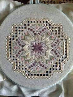 Hardanger and bargello - wow Embroidery Designs, Types Of Embroidery, Ribbon Embroidery, Machine Embroidery, Japanese Embroidery, Embroidery Jewelry, Hardanger Embroidery, Cross Stitch Embroidery, Broderie Bargello