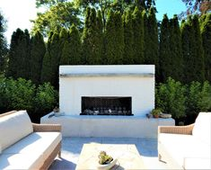 Modern Outdoor Fireplace, Outdoor Fireplace Designs, Backyard Fireplace, Outdoor Living, Backyard Pool Designs, Modern Backyard, Patio Design, Backyard Patio, Contemporary Outdoor Fireplaces