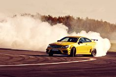 Mercedes-Benz C 63 AMG Coupé Black Series (more images at TopGear)
