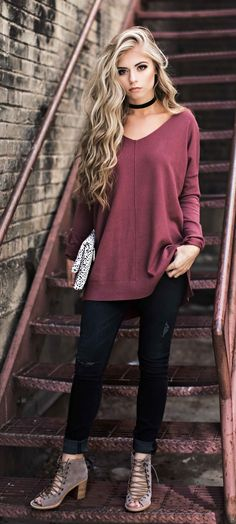 summer outfits Burgundy Top + Black Skinny Jeans