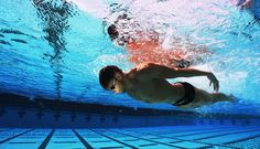 A short-axis stroke is defined as a stroke where there is desirable rotation of the body along the short axis through the middle of the hip, as opposed to the long axis, along the length of the body. Olympic Swimming, Swimming Diving, Keep Swimming, Pool Photography, Competitive Swimming, Tom Daley, Body Care, Underwater, Olympics