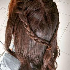 Porque DOMINGÃO também é dia de Trabalho!!!!!❤ #domingoedia #princesa #penteado #escovariadonnabi