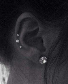 I want to do this with a double ear lobe on the left ear - Jewelry & Pi . - I want this with a double ear lobe on the left ear – jewelry & piercing – ears – - Innenohr Piercing, Triple Piercing, Mens Piercings, Female Piercings, Cute Ear Piercings, Body Piercings, Unique Piercings, Cartilage Piercings, Piercings For Small Ears