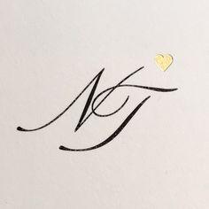 Mehr als tausend Worte... #monogram #buettenpapier #gold #prägung von carte royale