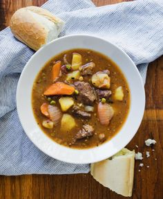 If you ask us, the best recipes for homemade beef stew are the ones that feature a combination of melt-in-your-mouth meat and veggies. To make this Hungry Man's Homestyle Beef Stew, just toss the ingredients together and let them simmer. Slow Cooker Times, Slow Cooker Beef, Slow Cooker Recipes, Beef Recipes, Soup Recipes, Cooking Recipes, Slow Cooking, Classic Beef Stew, Beef Stew Meat