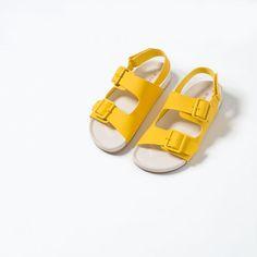 Bild 5 av ENFÄRGAD SANDAL från Zara Zara United Kingdom, Boys Shoes, Birkenstock, Boy Outfits, Kids, Color, Clothes, Fashion, Boyish Outfits