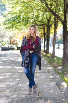 cozy fall layers in a stylish knit cape + jeans #fallstyle #cape #trend #style