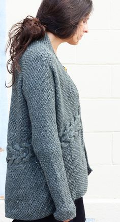 df227d6ebc0041 Free worsted Ravelry  Laurel Cardigan pattern by Amy Christoffers