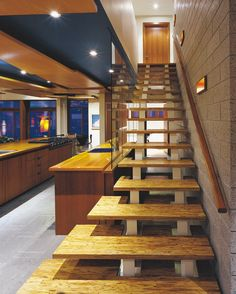 Best Parallam 최고 인기 이미지 24개 목조 계단 합판 테이블 및 작은 집 400 x 300
