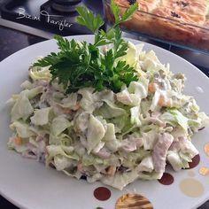 No photo description available. Cold Appetizers, Appetizer Salads, Salad Recipes, Vegan Recipes, Snack Recipes, Turkish Salad, Turkish Recipes, Ethnic Recipes, Recipes