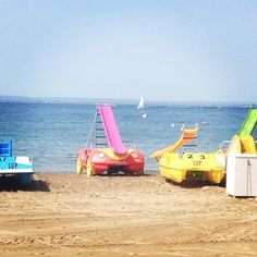 Beach! Plage! Playa! Platja! #catalunyaexperience #costabrava #aroses #visitroses