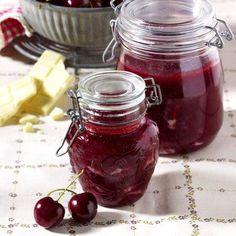 Ropogós cseresznye tartósítószer nélkül Fruit Soup, Sour Cherry, Hungarian Recipes, Meals In A Jar, Diy Food, Preserves, Pickles, Bakery, Cooking Recipes