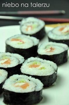 Dociekliwym polecam podłubanie na rozmaitych stronkach, gdzie można poczytać więcej o sposobie wykonania tej potrawy np. Przepis na Sushi. Ten rodzaj Ethnic Recipes, Food, Meals