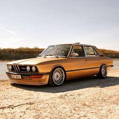#BMW 520i #E12