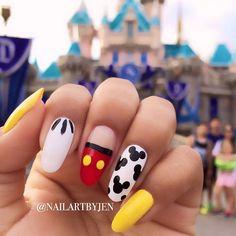 Disney Acrylic Nails, Summer Acrylic Nails, Best Acrylic Nails, Cute Nail Art, Cute Nails, Pretty Nails, Disney Nail Designs, Nail Art Designs Videos, Diy Nails