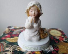 "Christmas1978 Holly Hobbie - Very Good Condition - ""A Christmas Prayer"" Porcelain Figurine - Limited Edition of 12,000"