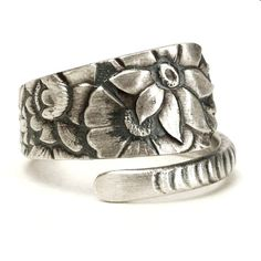 Wild Flower Ring, Antique Spoon Ring Sterling Silver Gift, Petite Floral Ring, Adjustable Ring Size, Bluebell Ring, Gorham 1880 Delhi (5879)