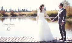 Photos on the dock, Bend Oregon Wedding. Oliveri Photography