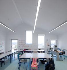 Colegio S.Miguel de Nevogilde / AVA Architects. Image © Fg+Sg