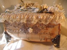 Shabby Chic Christmas vintage Music Box