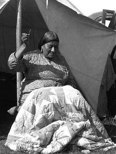 unidentified Lakota quilter from Buechel Memorial Lakota Museum.