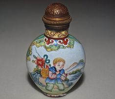 Porcelain on Copper Chinese Snuff Bottle Hand Painted with Famille Rose Enamel
