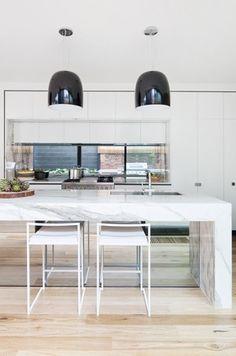 Bridport House by Matt Gibson Architecture + Design « HomeAdore Australian Interior Design, Interior Design Awards, Interior Design Inspiration, Design Ideas, Open Plan Kitchen, Kitchen Dining, Kitchen Decor, Design Kitchen, Dining Rooms