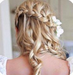 Bridal hairdo. LOVE LOVE LOVE this look!!!!