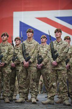 Flickr British Royal Marines, British Army Uniform, British Armed Forces, British Soldier, Men In Uniform, British Royals, British Army Regiments, Army Police, Modern Warfare