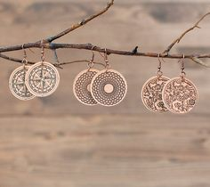 leather projects for cricut explore Diy Leather Earrings, Diy Earrings, Leather Jewelry, Leather Craft, Handmade Leather, Vintage Leather, Diy Jewelry, Jewelry Making, Jewellery