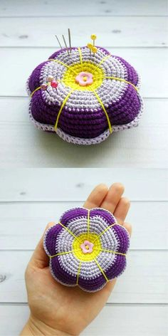 Crochet Flowers Design Needle Pillow in the form of a Flower Crochet Pincushion, Crochet Pillow, Baby Blanket Crochet, Crochet Baby Clothes, Crochet Toys, Free Crochet, Knit Crochet, Crochet Puff Flower, Crochet Flower Patterns
