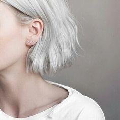 Картинки через We Heart It #grey #hair #shorthair