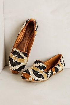 Lovely Tribal Shoes. Patterned. Love it!