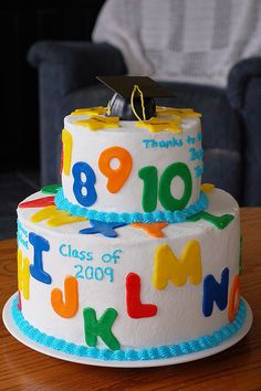 What a cute cake for a preschool or kindergarten graduate.  photo from flickr courtesy creative commons: http://www.flickr.com/photos/samdogs/3498297622/