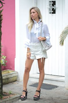 Nati Vozza do Blog de Moda Glam4You todo branco neste look.