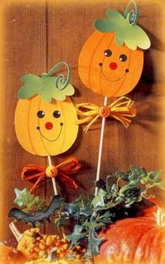Hurkapálcás tökdísz by jewell Fall Crafts For Toddlers, Halloween Crafts For Kids, Halloween Art, Toddler Crafts, Diy For Kids, Halloween Decorations, Autumn Crafts, Thanksgiving Crafts, Holiday Crafts