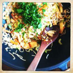 Gemüsewok Meat, Chicken, Cooking, Ethnic Recipes, Food, Kitchen, Essen, Meals, Yemek