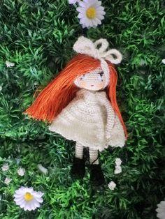 Poupée crochet mini, petite fille modèle, Lililoops,12/13 cm, ma création, crochet trés trés fin : Jeux, jouets par belette-noire