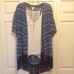 Kimono Fringed kimono size Large, navy, blue and white Arizona Jean Company Tops